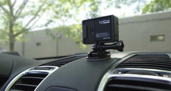Экшн-камера в авто