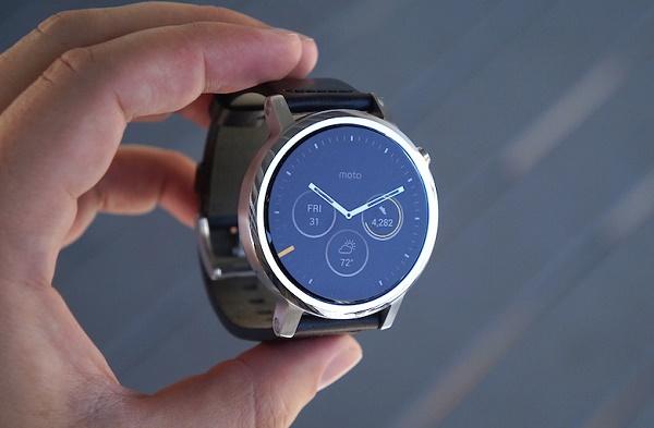 Часы Моторола второго поколения