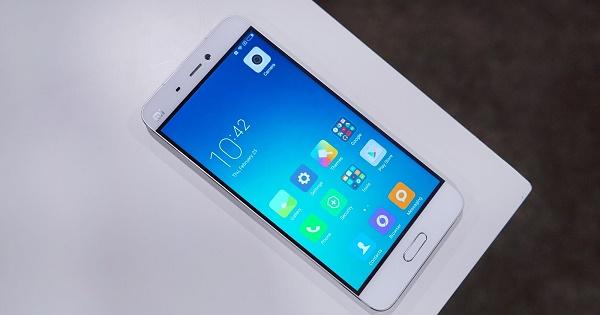 Xiaomi Mi 5 черная полоса по экрану