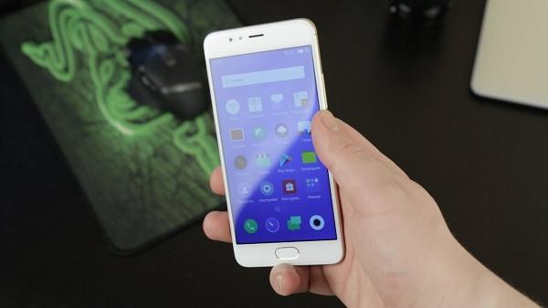 Дисплей смартфона