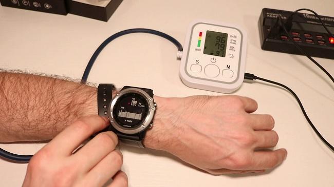 Часы измеряющие давление