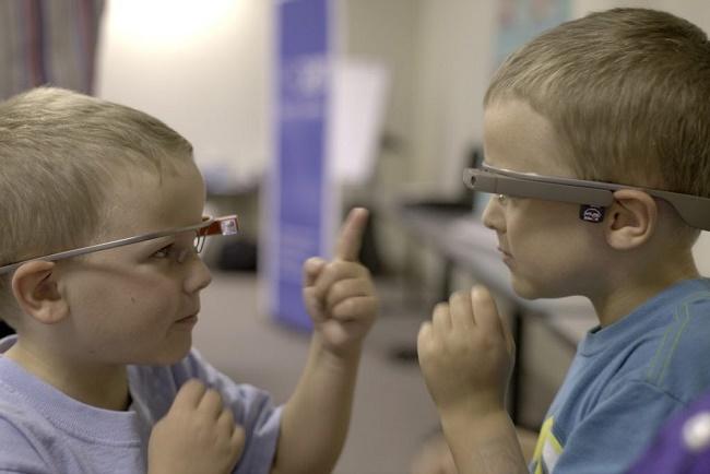 Google Glass для детей-аутистов