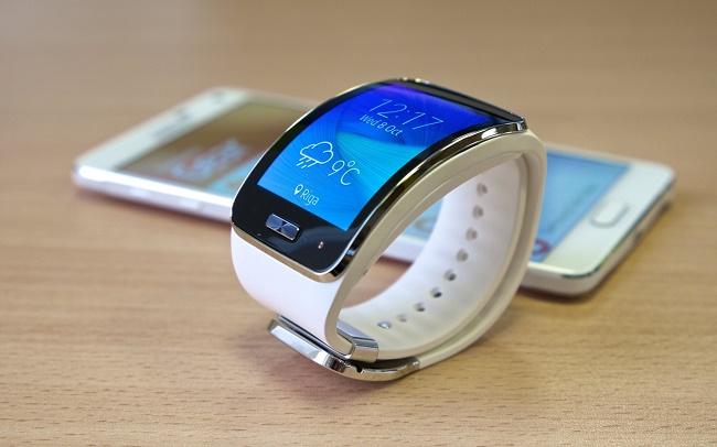 Синхронизация часов с смартфоном