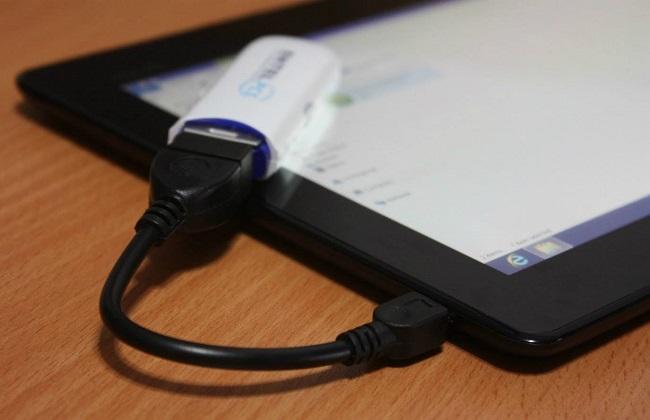 Флешка и планшет