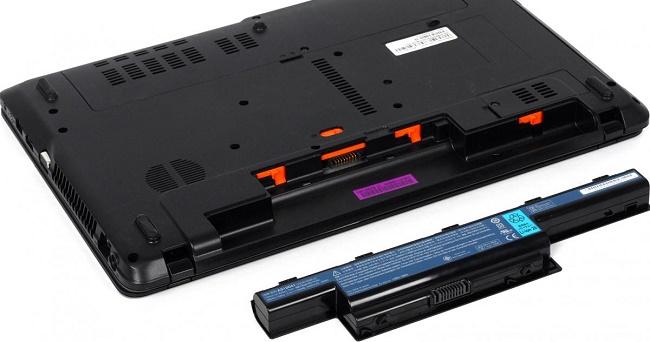 Ноутбук и аккумулятор