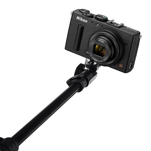 Монопод и фотоаппарат