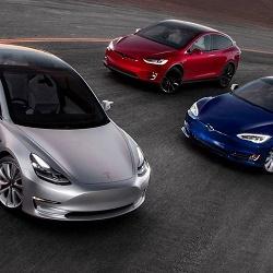 Автомобиль Tesla передает личные данные владельца