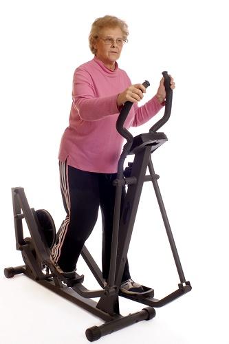 Эллиптический тренажер для пожилых людей