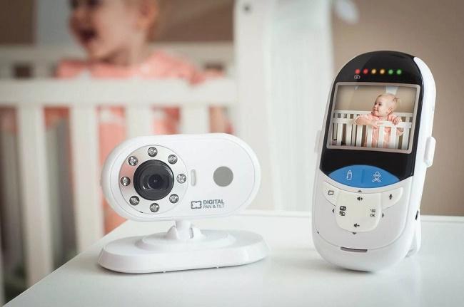 Видеоняня и ребенок