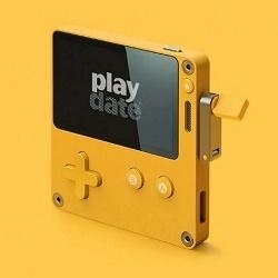 Новая приставка Playdate