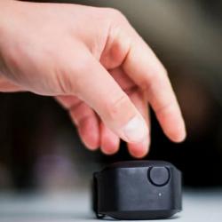 Новый умный браслет поможет людям с аутизмом избавиться от приступов