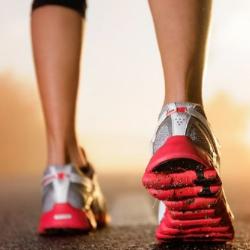 Новые смарт-кроссовки покажут владельцу дорогу