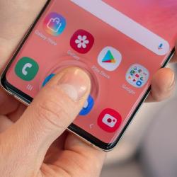 Сканер отпечатка пальцев одной из моделей Samsung сделал ее небезопасным устройством