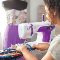 Топ швейных машин 2020 года: промышленные и бытовые модели
