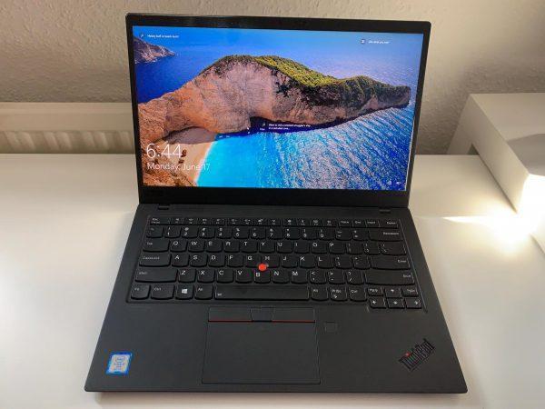 Lenovo THINKPAD X1 Carbon Ultrabook (7th Gen)