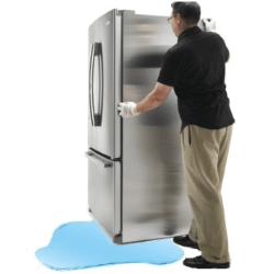 По какой причине течет холодильник