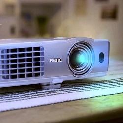 Какой проектор выбрать для домашнего кинотеатра