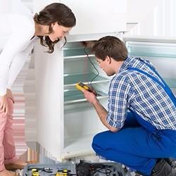Что делать, если холодильник пищит при полностью закрытой двери