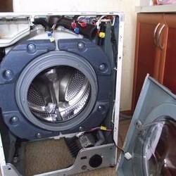 Ремонт стиральных машин Hotpoint-Ariston устранение неисправностей и замена запчастей на дому ремонт модуля машины своими руками