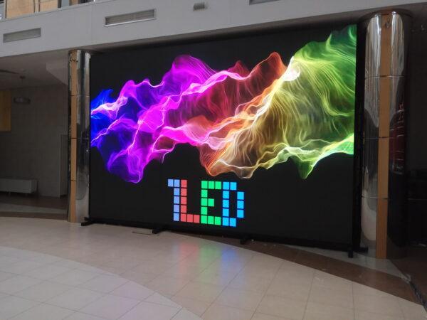 яркие цвета led-экрана