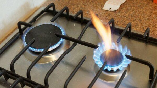 Неравномерное пламя конфорки