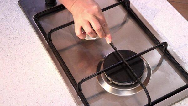 чистая решетка газовой плиты