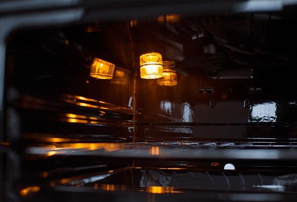 Лампочка в духовке