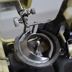 Как устроена и работает швейная машина