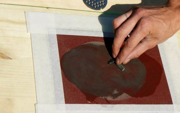 заточка ножа мясорубки наждачной бумагой