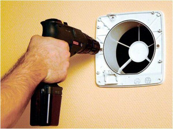 Установка вытяжного вентилятора