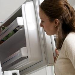 Как избавиться от запаха в морозильной камере разными способами
