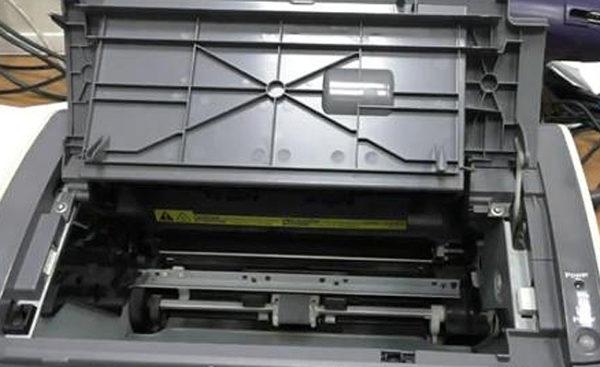 Открывание крышки принтера