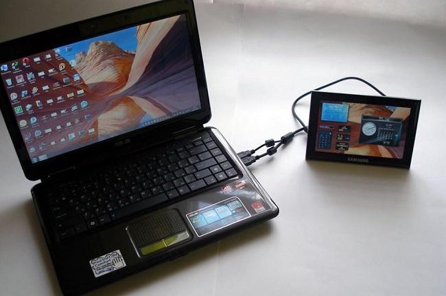 Планшет и USB кабель