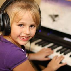 Как выбрать синтезатор для ребенка