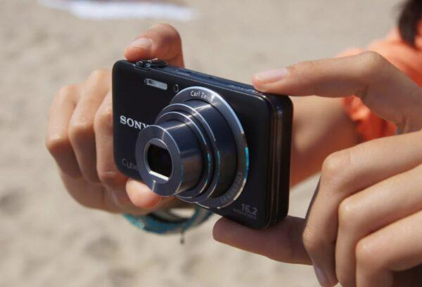 Цифровой компактный фотоаппарат
