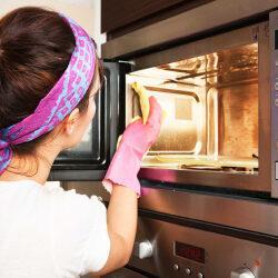 Как убрать запах из микроволновки: простые и эффективные методы