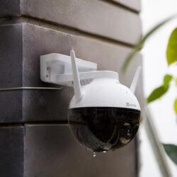 EZVIZ C8C — первая PT- камера наружного видеонаблюдения в своей линейке