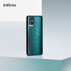 Infinix NOTE 10 Pro NFC поступает в продажу в России